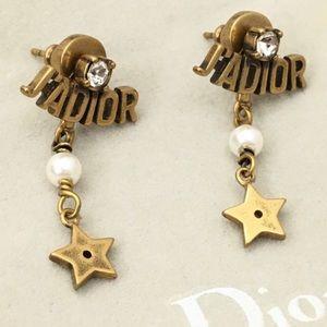 ✨Dior J'dior white pearl earrings, never worn✨